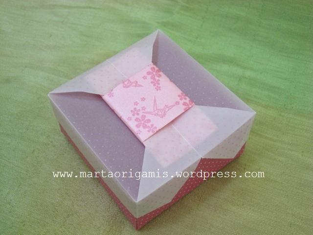 caixa, parte superior by Tomoko Fuse, www.diamondpapers.com.br
