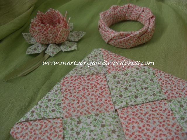 porta panelas, pulseira e flor de lótus